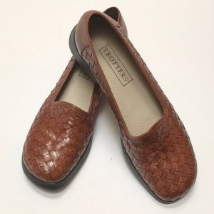 Trotter's Slip On Leather Woven Loafers